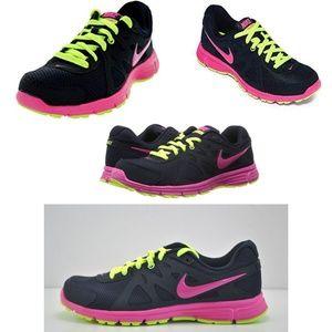 Women's Nike Revolution 2 Size 8